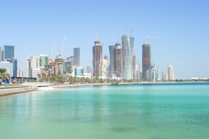 qatar-sea-byildings-skyscraper-climate-hot-sun-summer